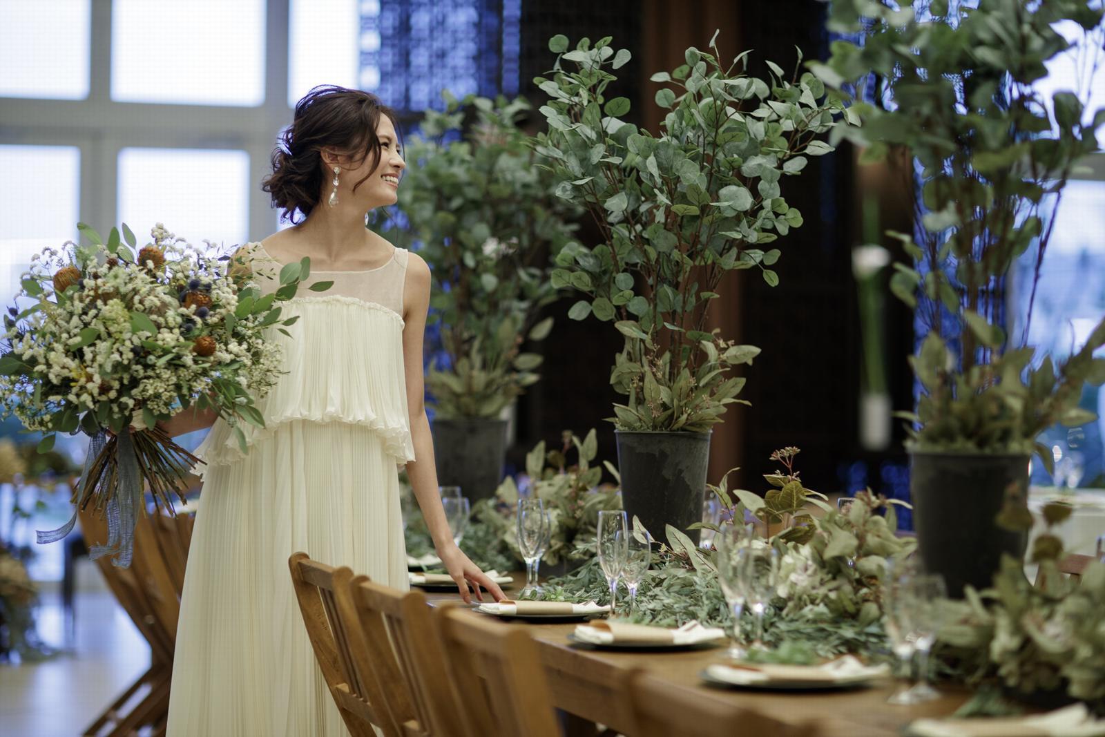 徳島県の結婚式場ブランアンジュのナチュラルなウエディングドレス