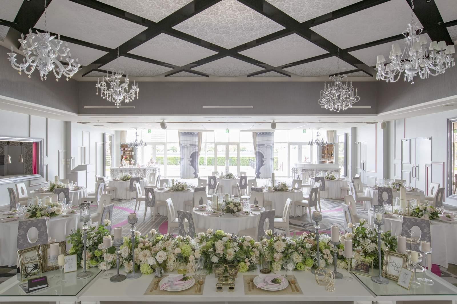 徳島県の結婚式場ブランアンジュのホワイトバンケット