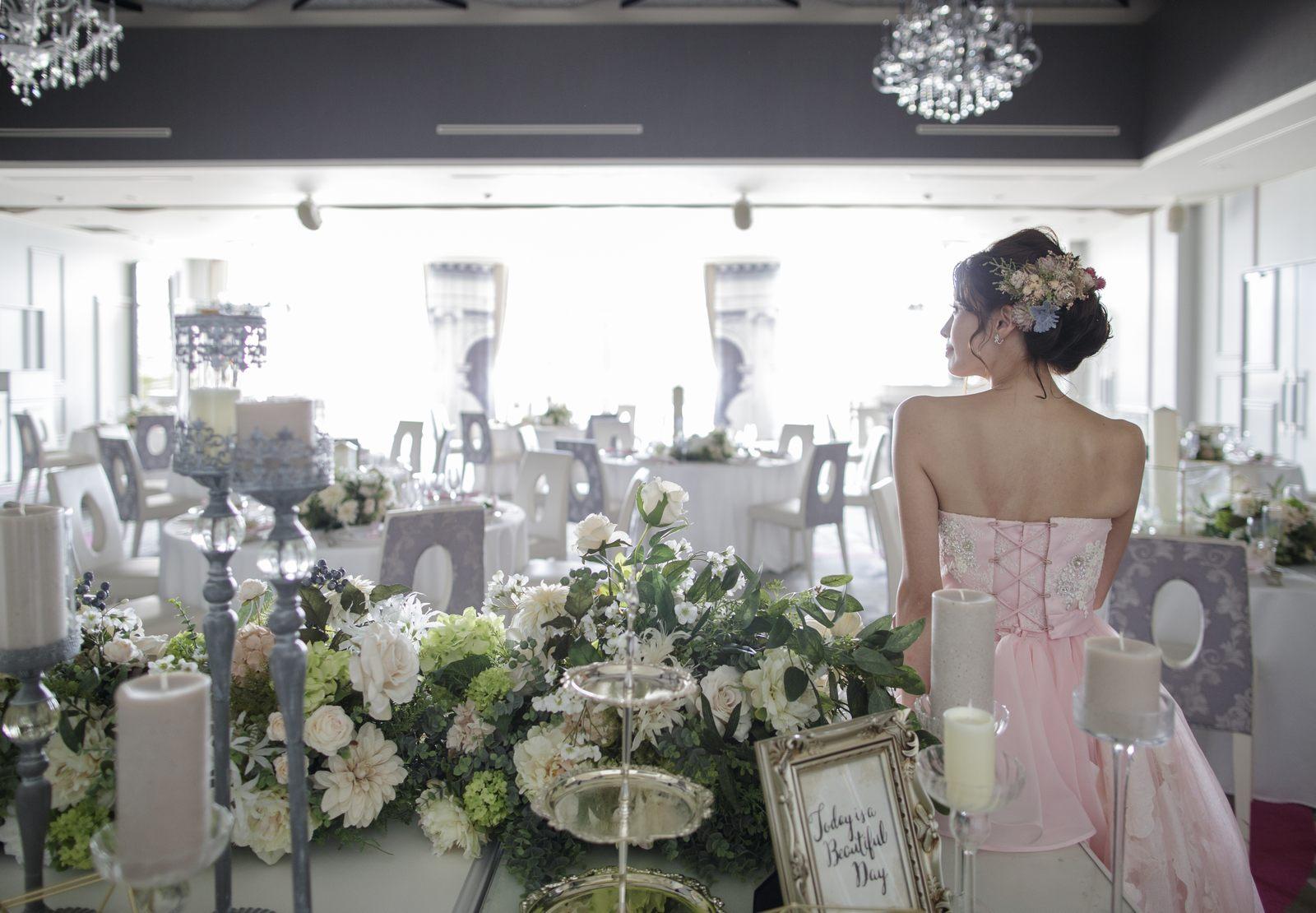 徳島県の結婚式場ブランアンジュのメインテーブルからの眺め