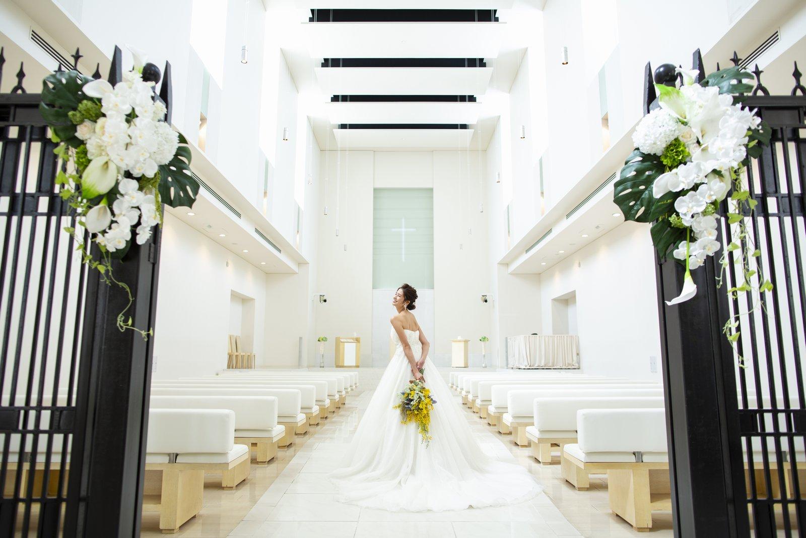 徳島県の結婚式場ブランアンジュの神聖なチャペル