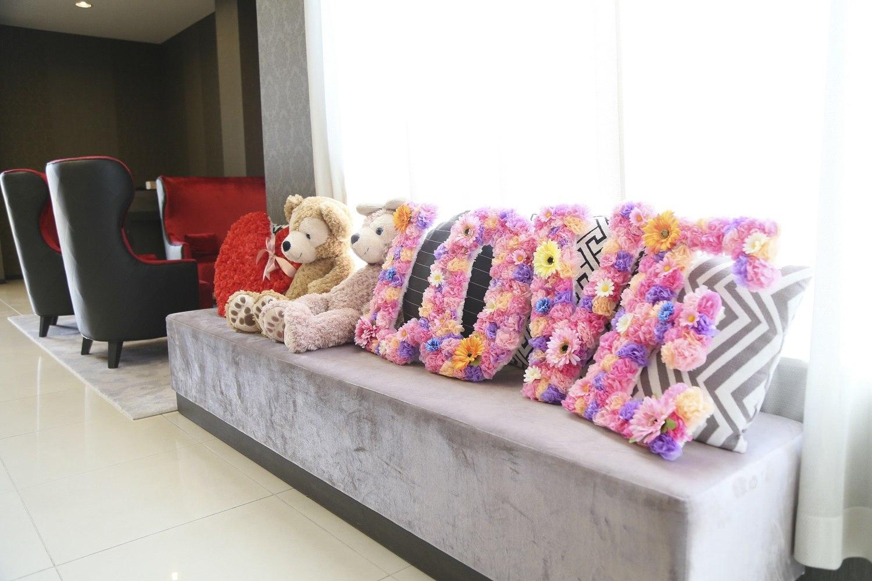 徳島市の結婚式場ブランアンジュのウエルカムスペースの装飾からディズニーカラーに