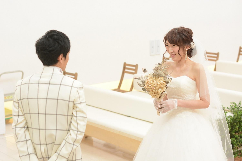 徳島市の結婚式場ブランアンジュで新郎新婦様のファーストミートで感動対面