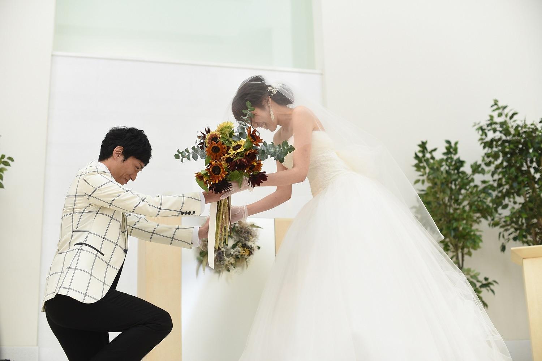 徳島市の結婚式場ブランアンジュでサプライズで新婦にプレゼント