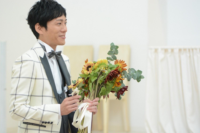 徳島市の結婚式場ブランアンジュでひまわりのブーケ
