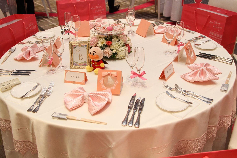 徳島市の結婚式場ブランアンジュでピンクのテーブルコーディネート
