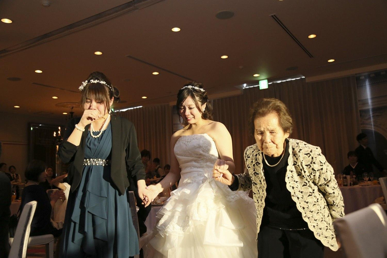 徳島市の結婚式場ブランアンジュで退場は大好きな妹様とおばあ様