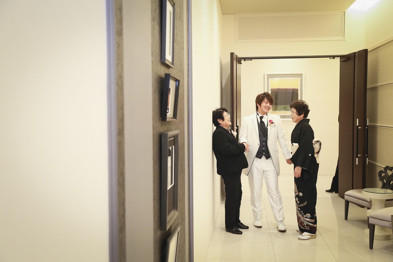 徳島市の結婚式場ブランアンジュで新郎の退場は一番大好きな人と