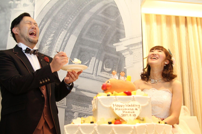徳島市の結婚式場ブランアンジュでファーストバイトはお互いの愛情の大きさ