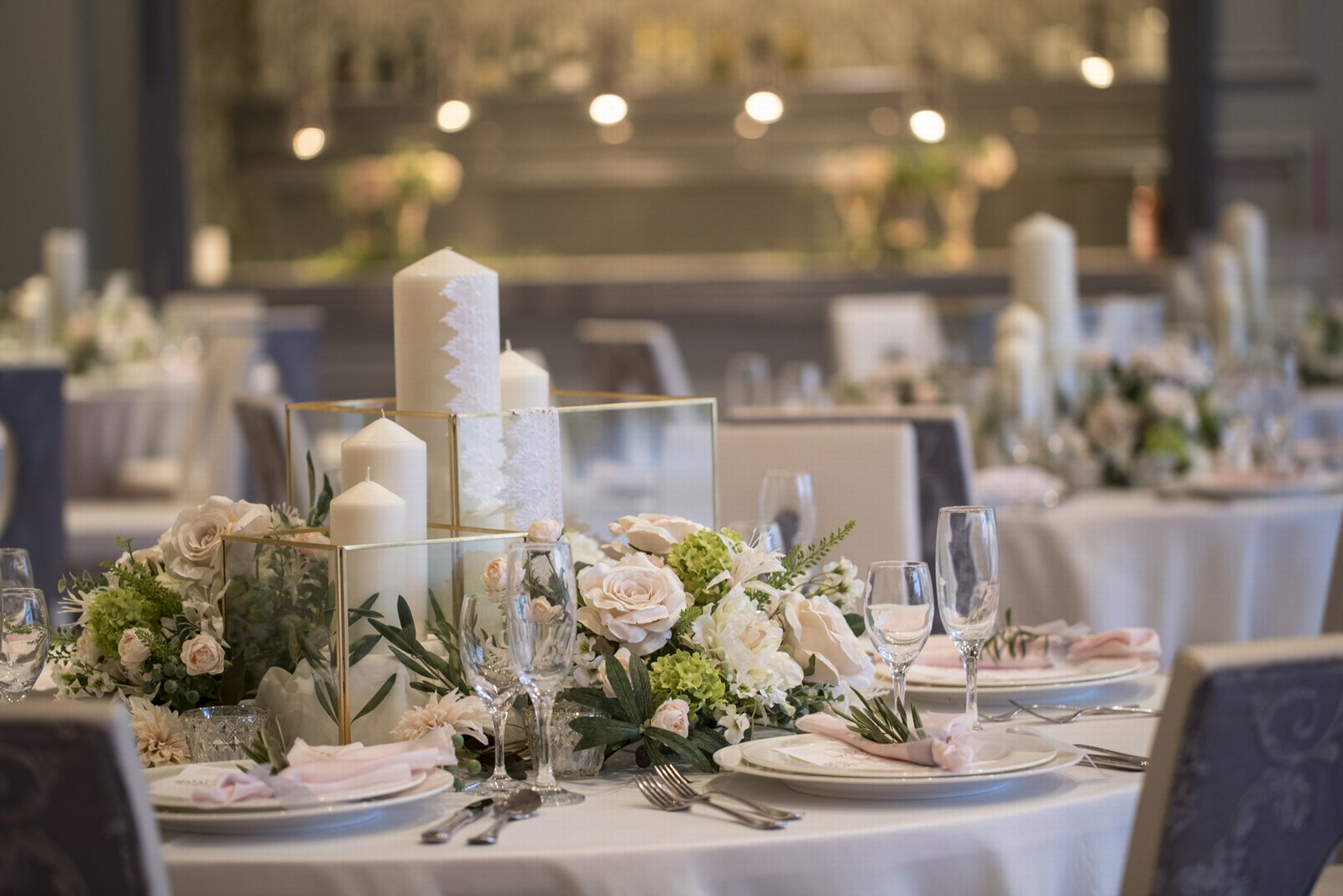 徳島県の結婚式場ブランアンジュのゲストテーブル装花