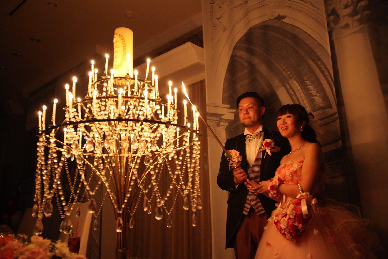 徳島市の結婚式場ブランアンジュでシャンデリアをイメージしたキャンドル