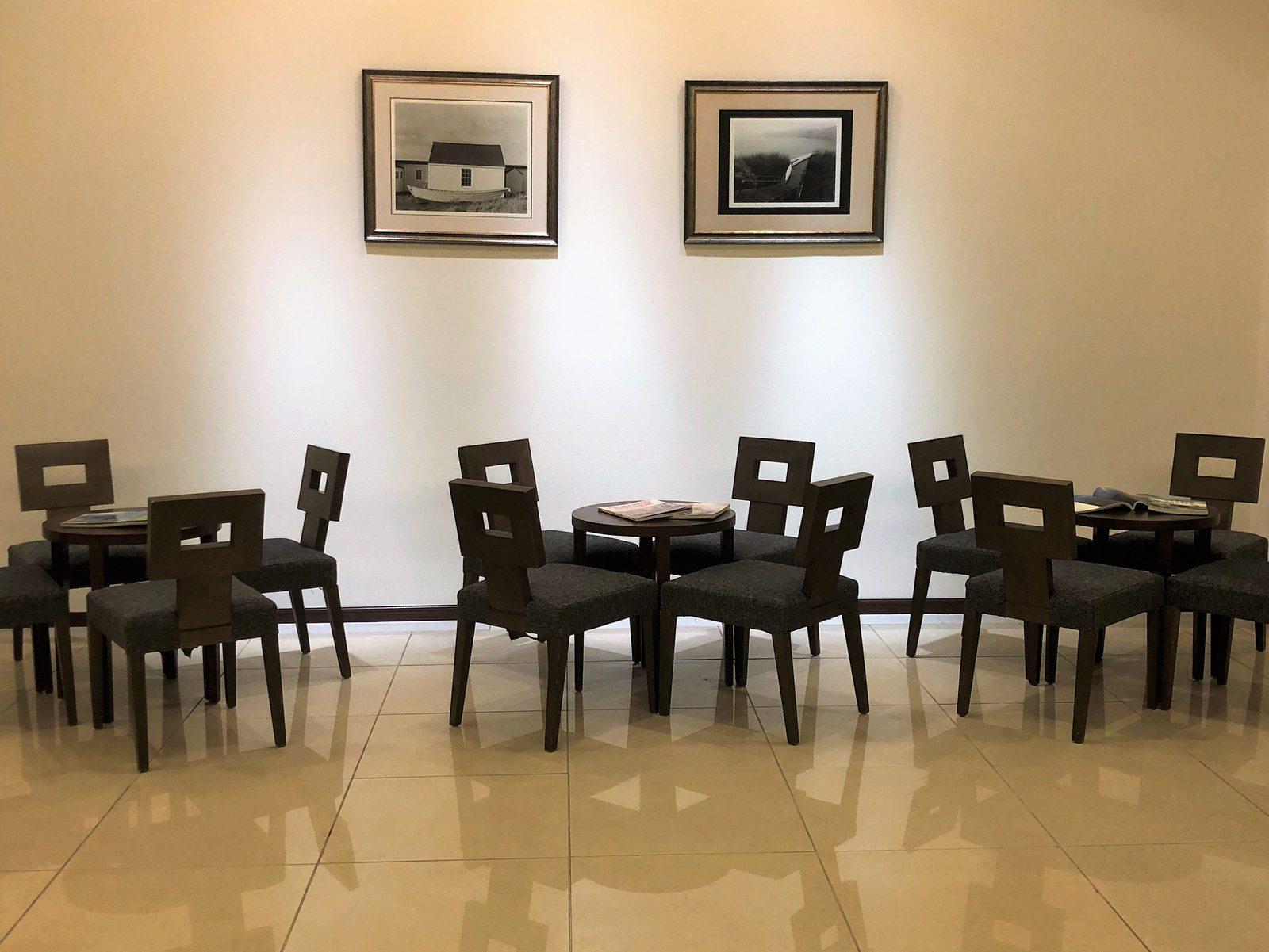 ブランアンジュのテーブル