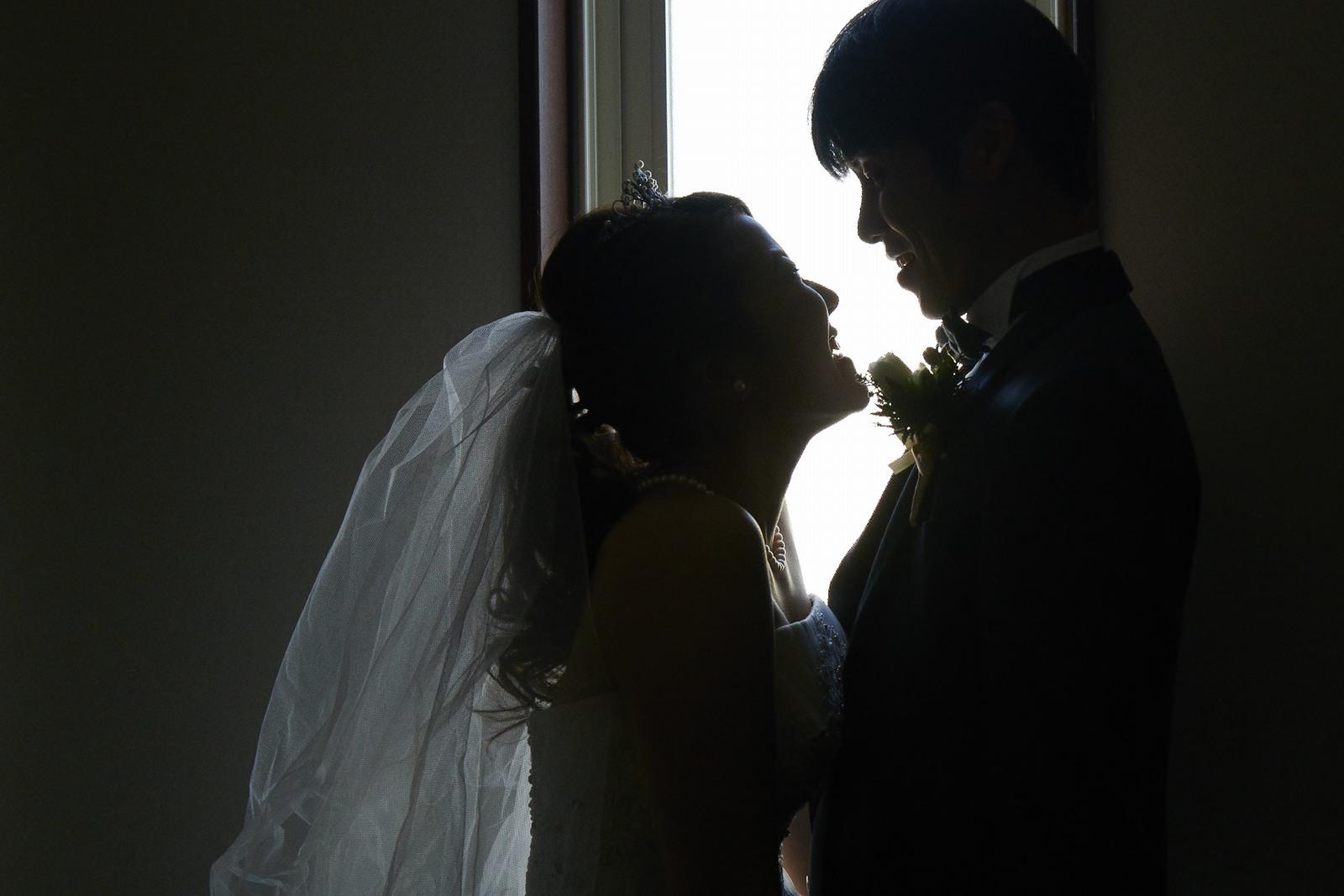 徳島市の結婚式場ブランアンジュで新郎新婦ショット