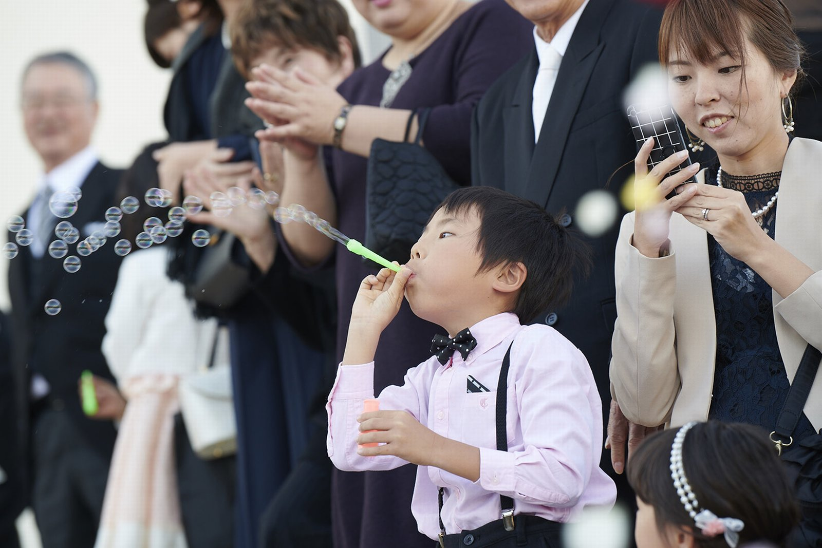 徳島県の結婚式場ブランアンジュのアフターセレモニーでしゃぼん玉