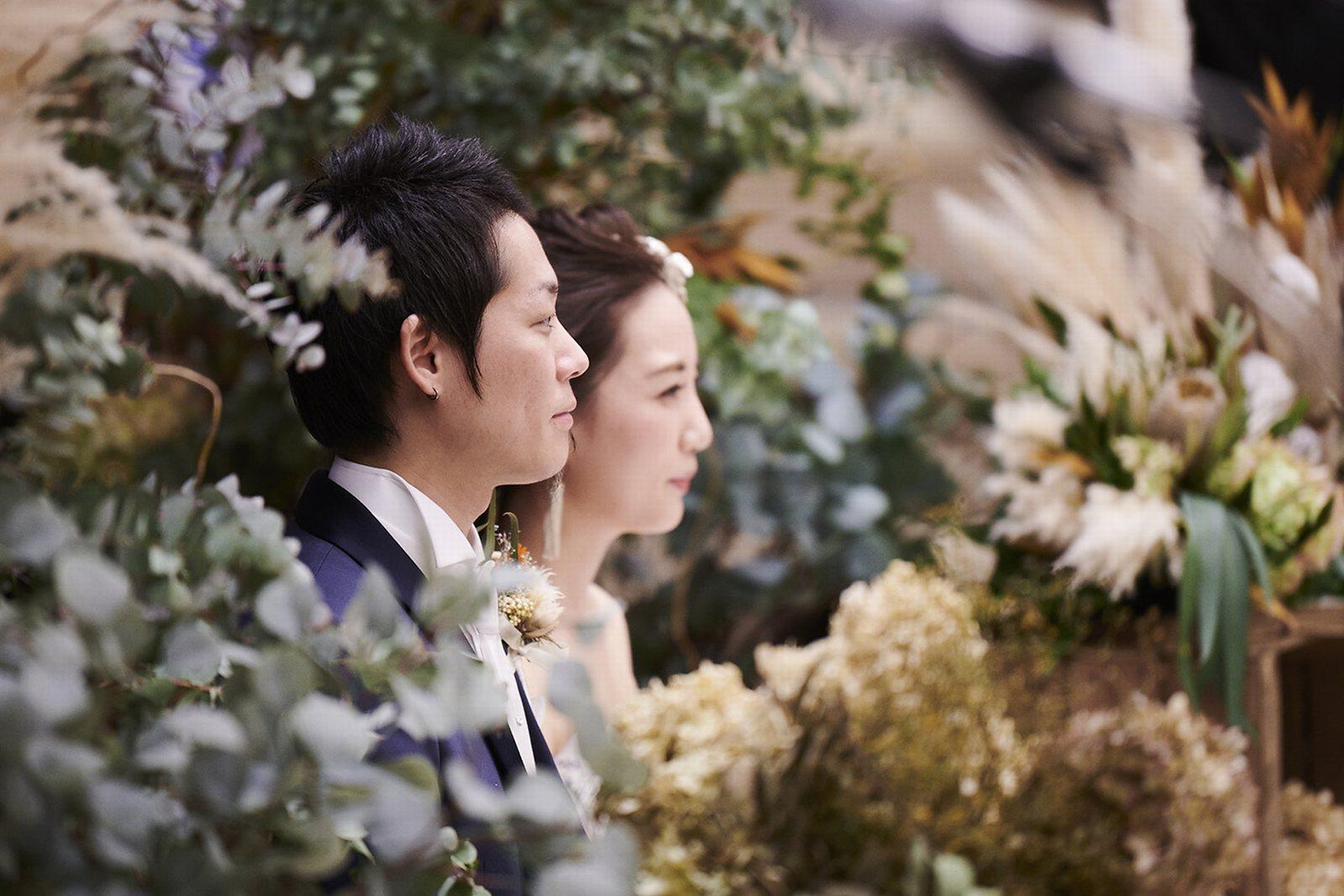 徳島県の結婚式場ブランアンジュの緑につつまれたメイン席