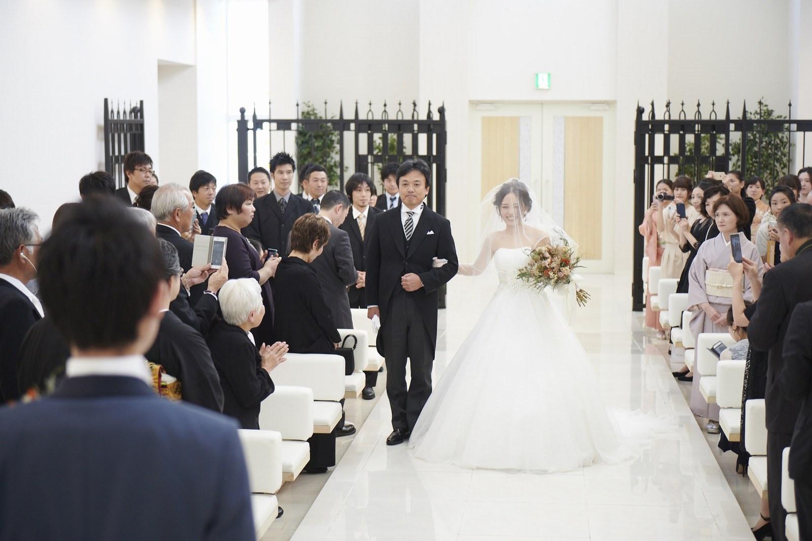 徳島県の結婚式場ブランアンジュのバージンロード