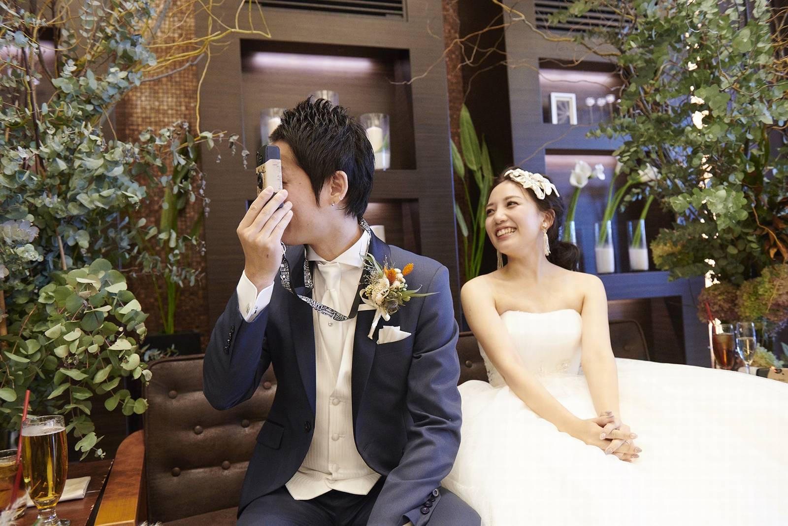 徳島県の結婚式場ブランアンジュでカメラで撮り合い