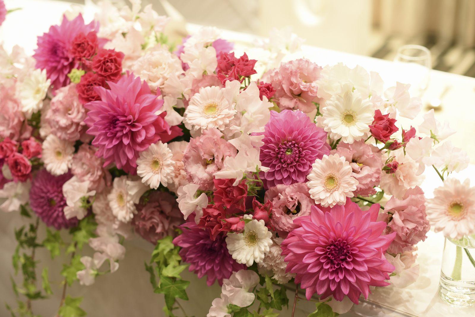 徳島市の結婚式場ブランアンジュのメインテーブル装花
