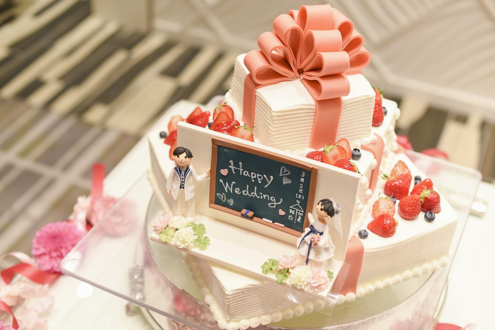 徳島市の結婚式場ブランアンジュのウエディングケーキ