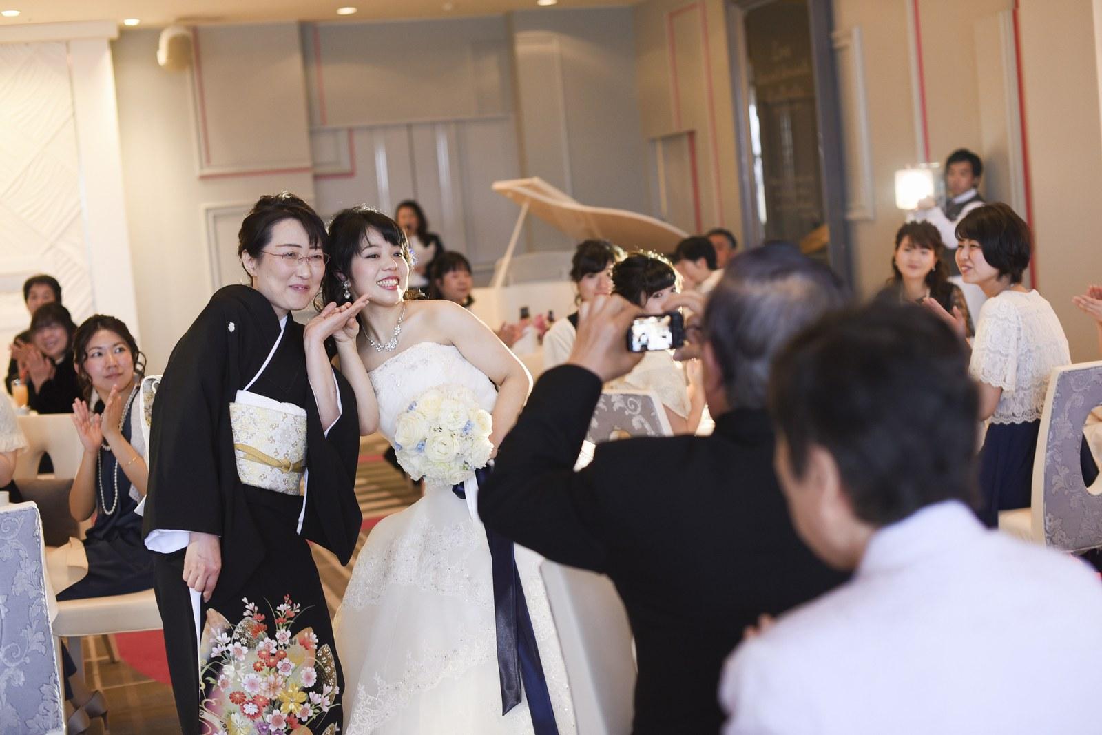 徳島市の結婚式場ブランアンジュでご家族ショット