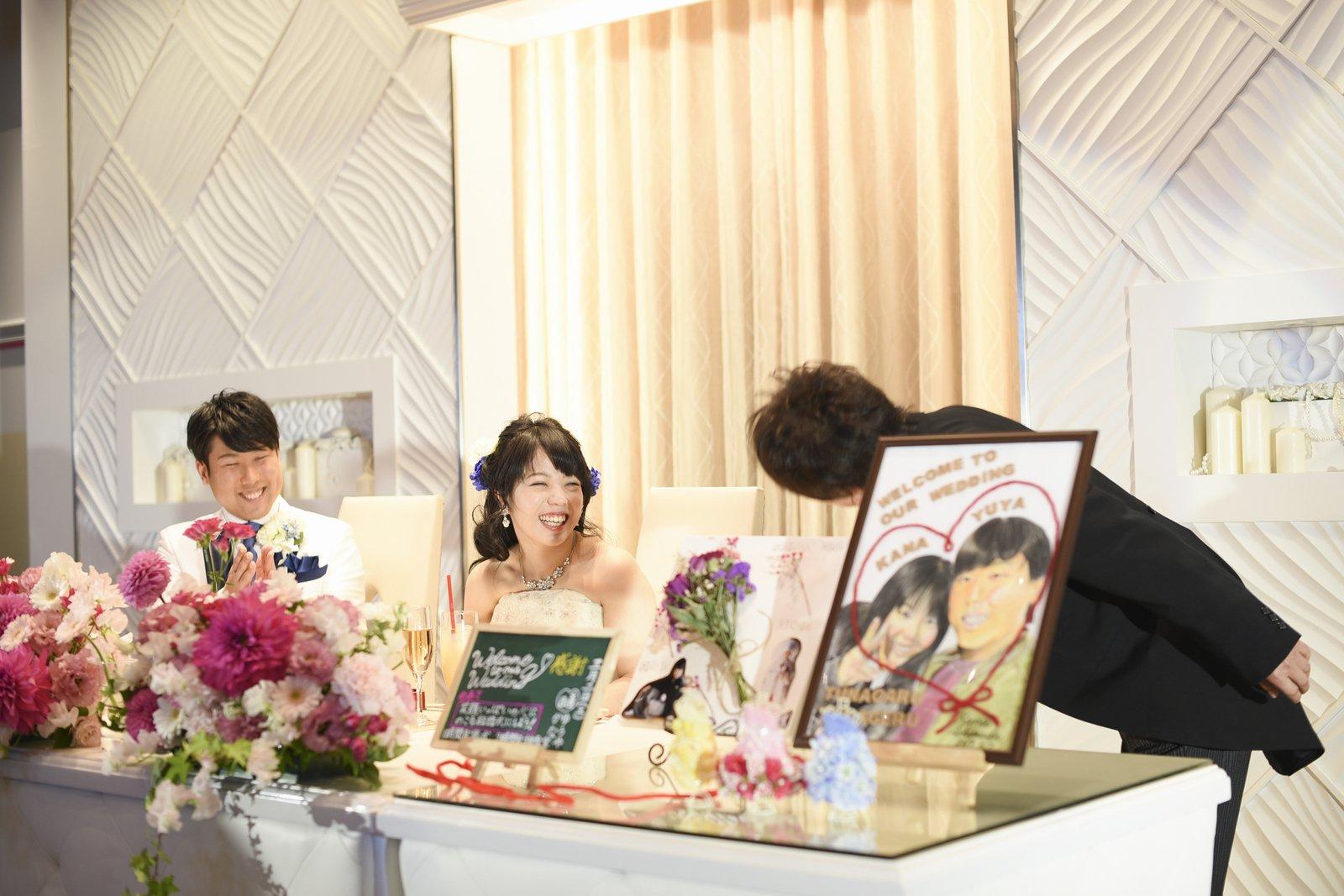 徳島市の結婚式場ブランアンジュのメインテーブル
