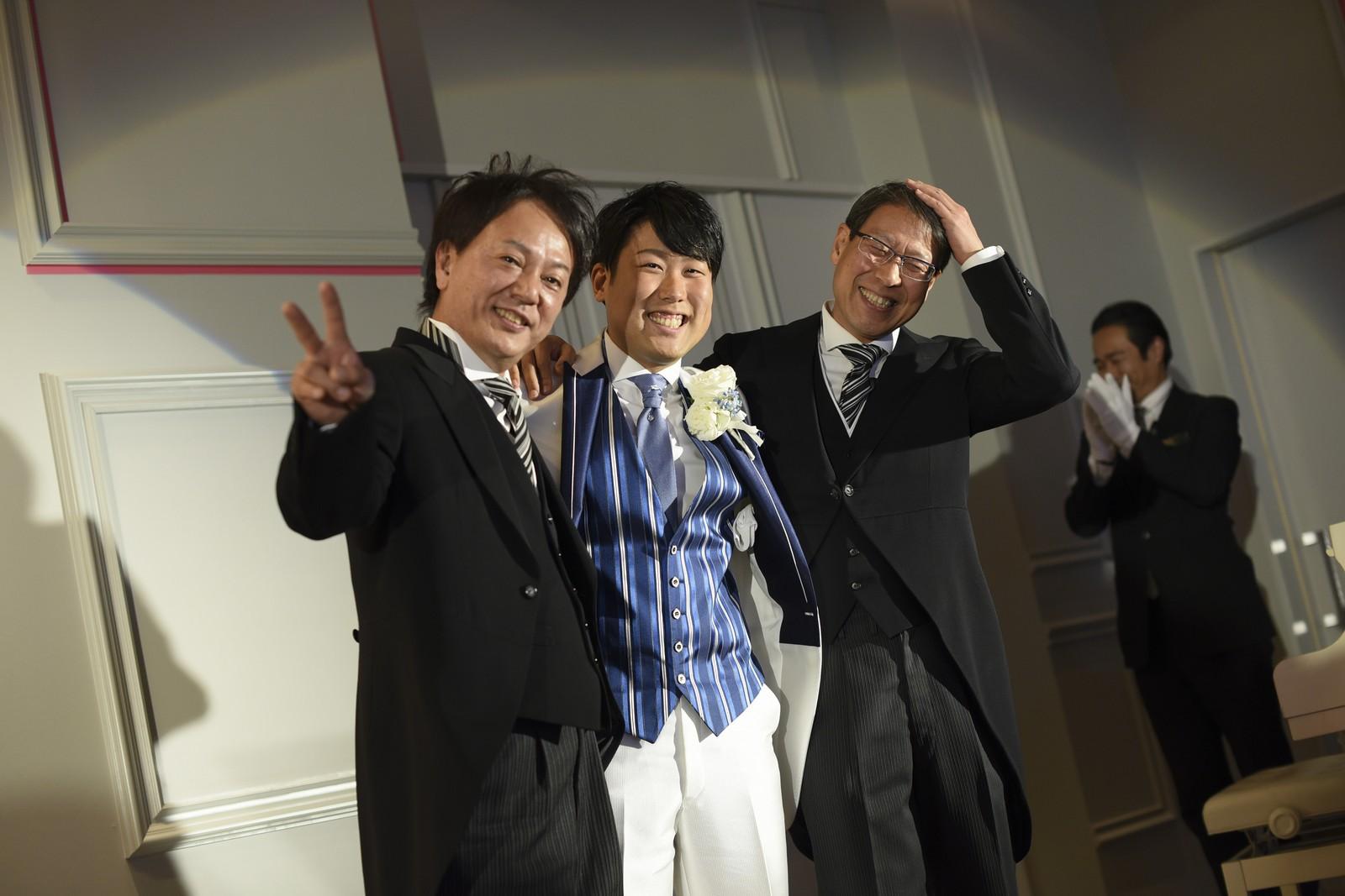 徳島市の結婚式場ブランアンジュで両家お父様と新郎との記念撮影