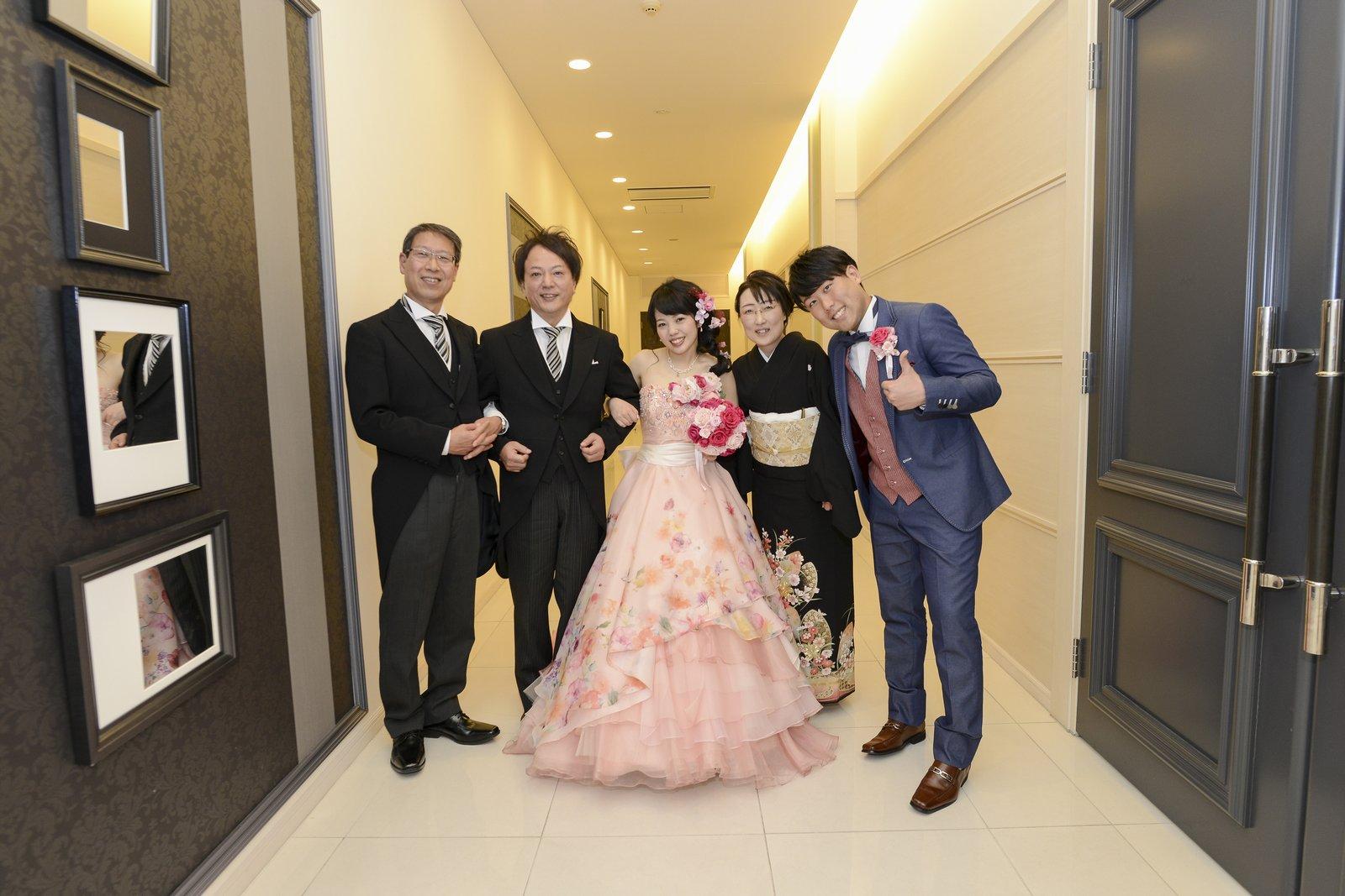 徳島市の結婚式場ブランアンジュで家族写真