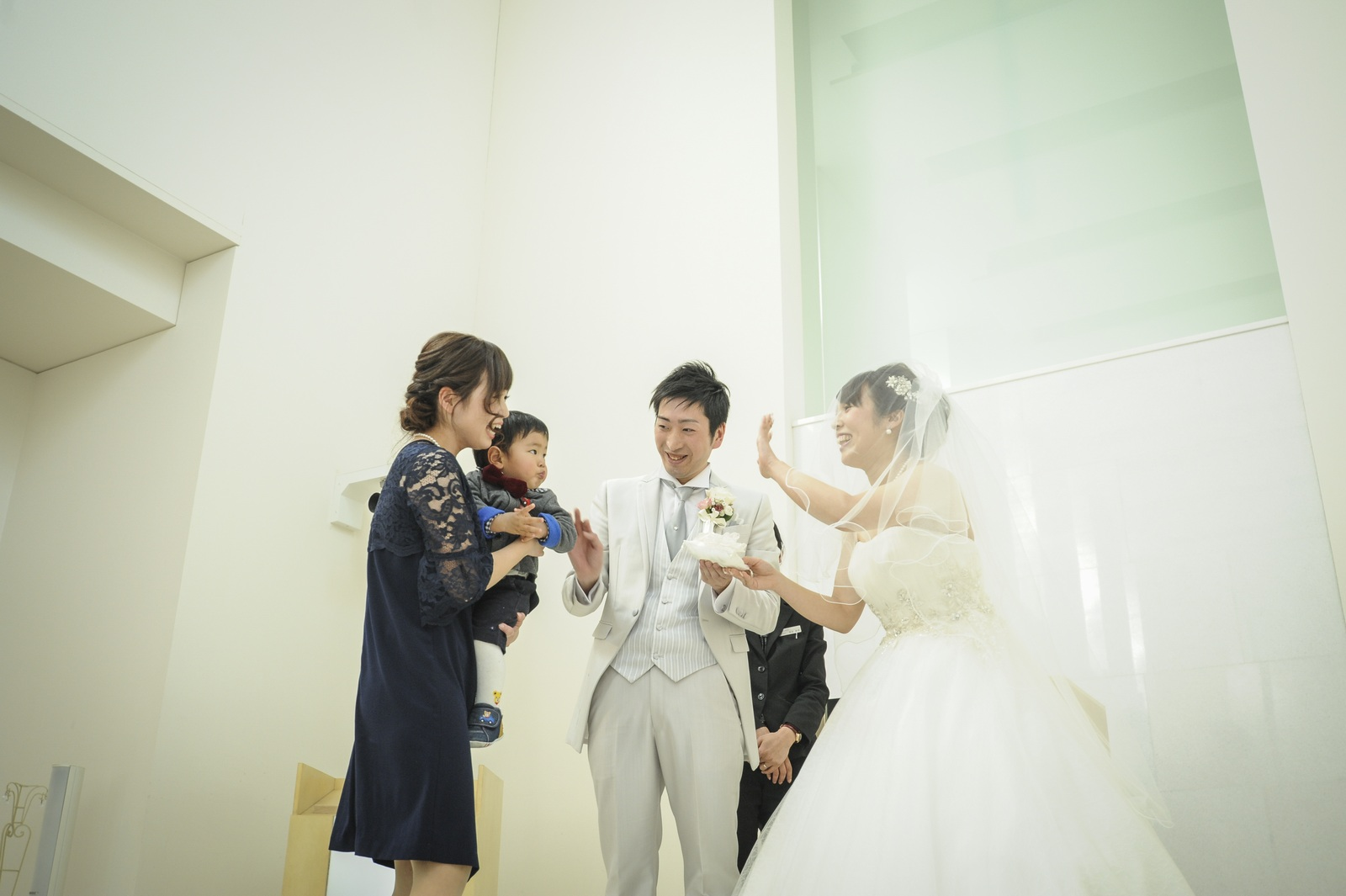 徳島市の結婚式場ブランアンジュで挙式での指輪のリレー