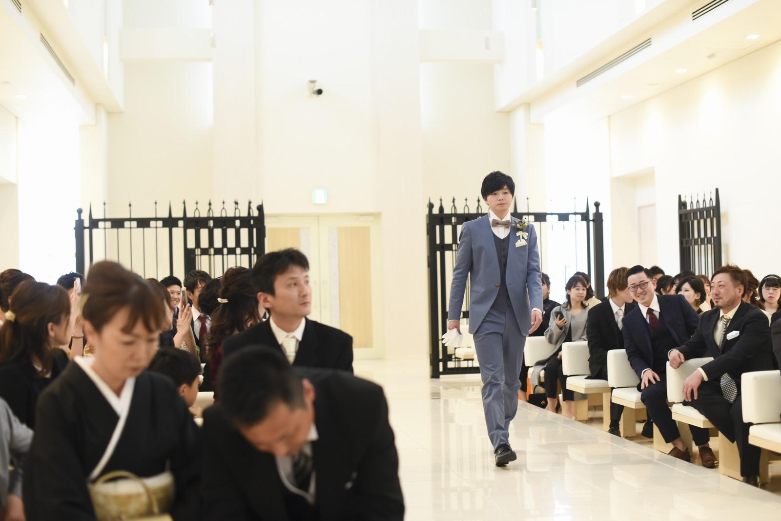 徳島市の結婚式場ブランアンジュの挙式セレモニーのスタートは新郎様の入場から