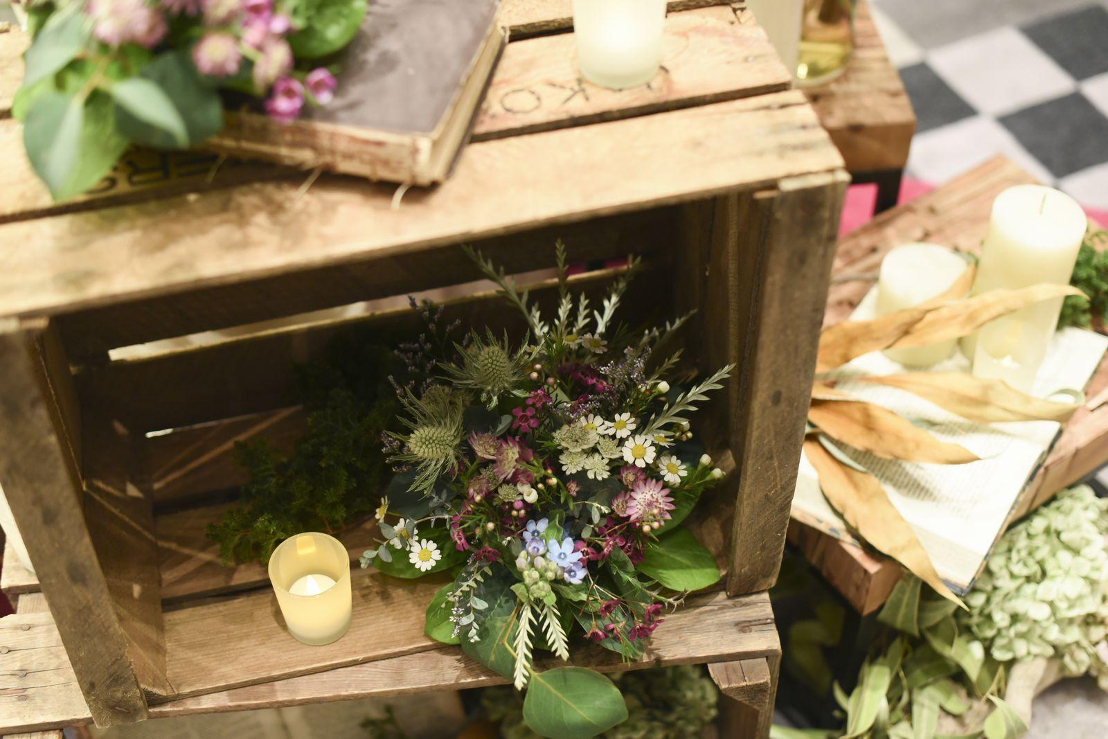 徳島市の結婚式場ブランアンジュのメイン飾りのテーマはグリーンナチュラルで
