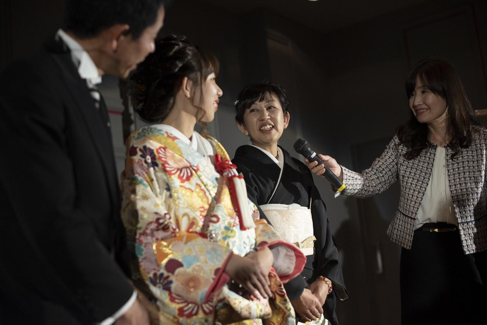 徳島市の結婚式場ブランアンジュの和装でのあ色直し入場後にはお母さまからのメッセージ