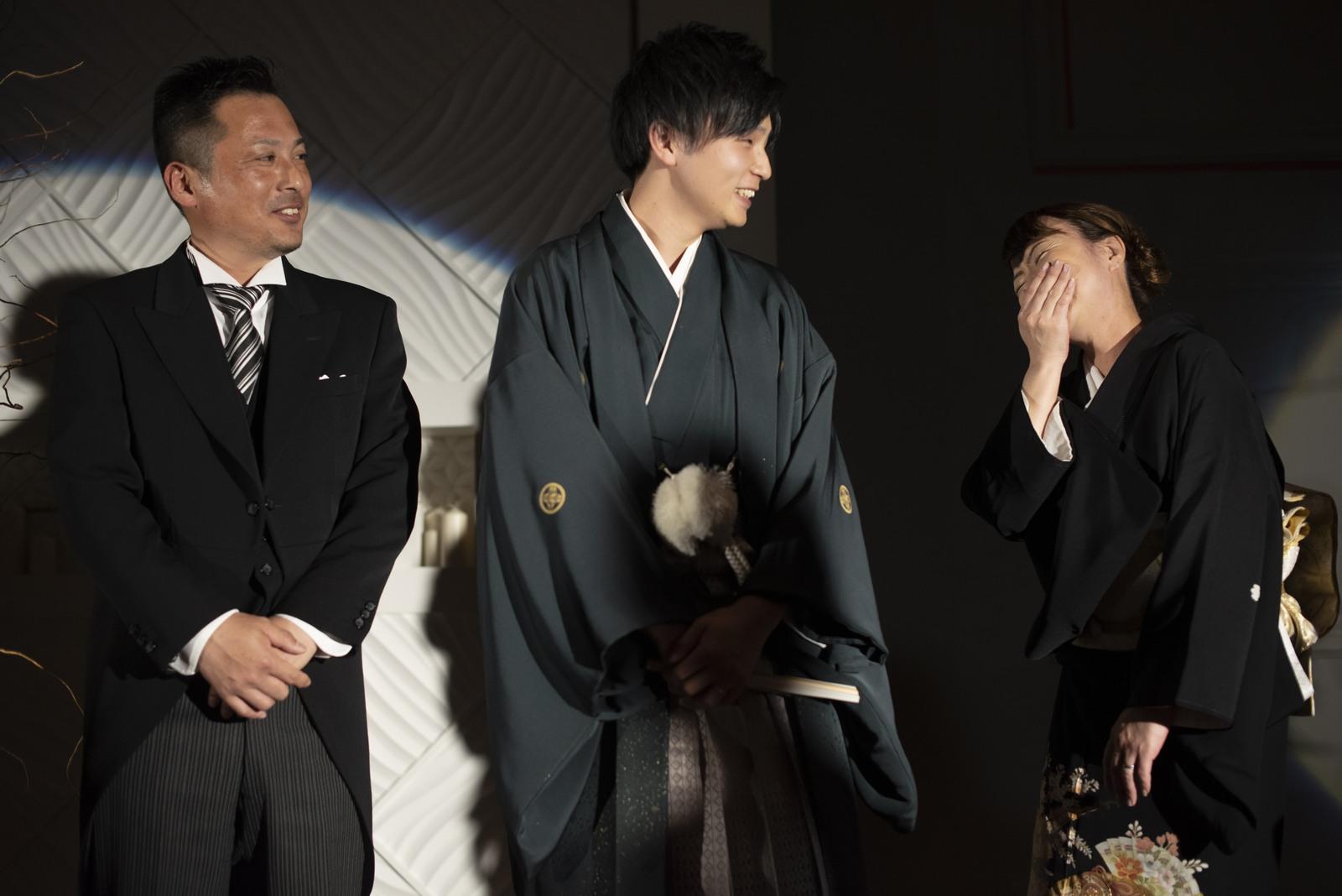 徳島市の結婚式場ブランアンジュで新郎様お色直しも袴で登場