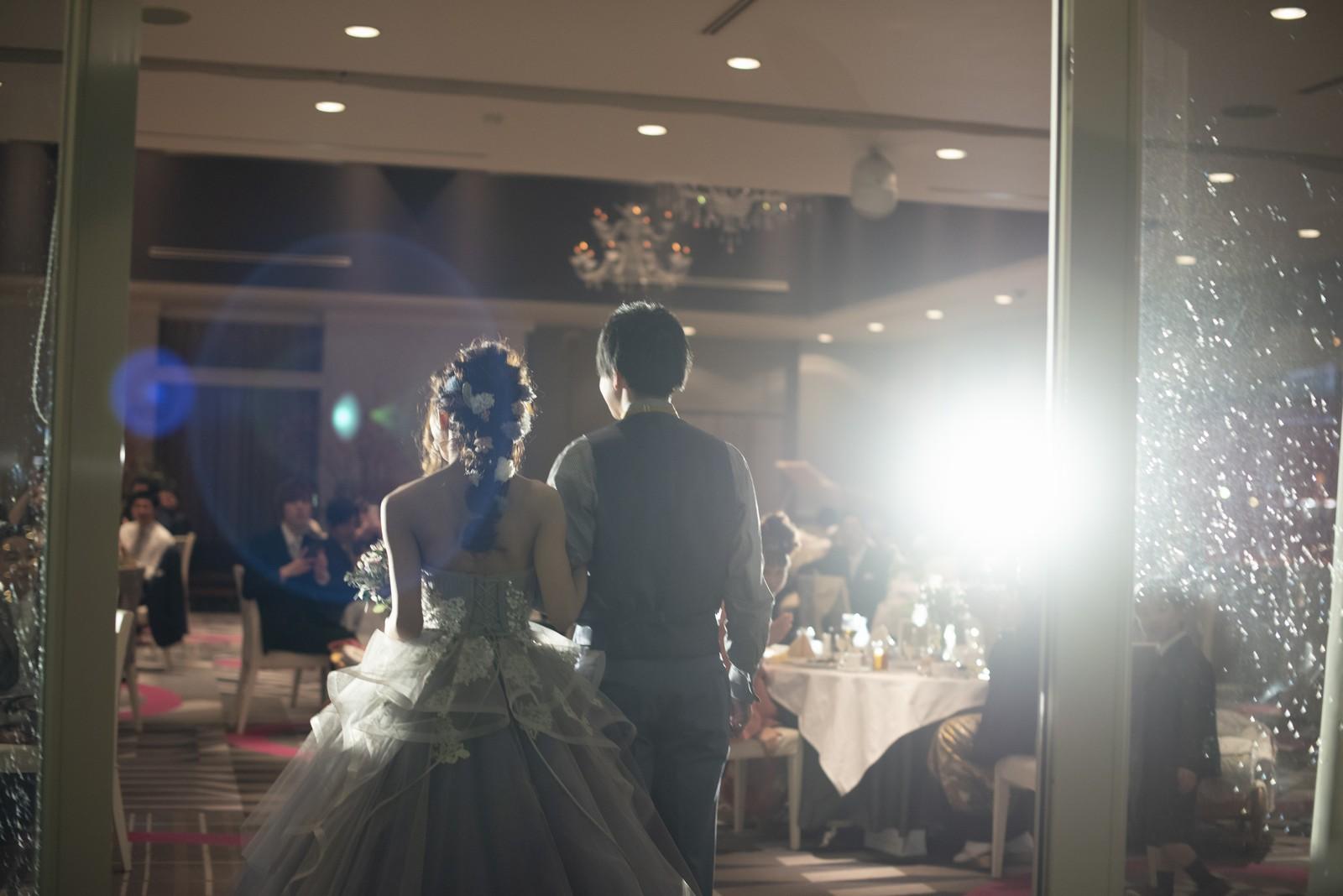 徳島市の結婚式場ブランアンジュでのお色直し入場はカクテルドレスで