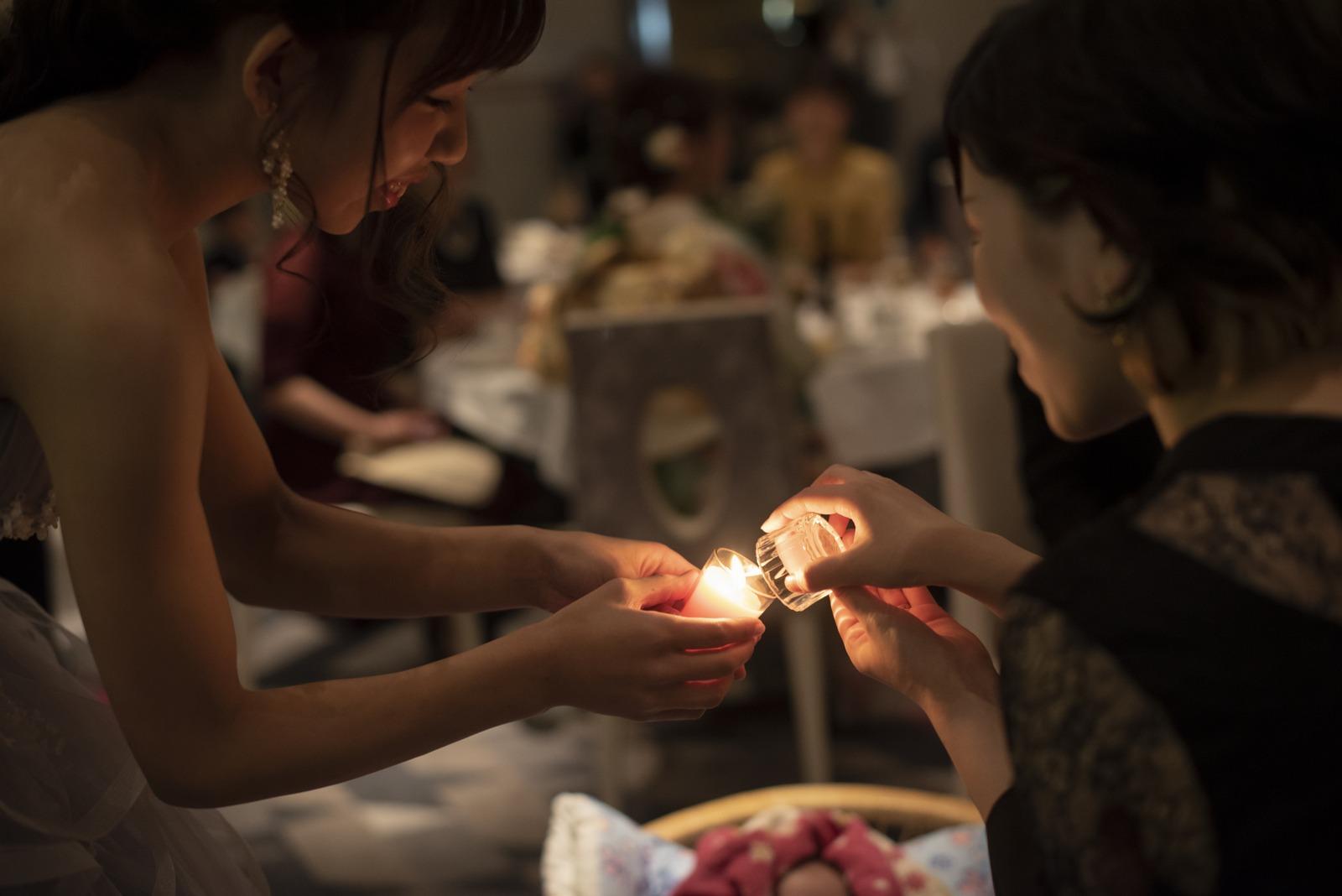 徳島市の結婚式場ブランアンジュでゲストに感謝の気持ちを伝えるキャンドルセレモニー
