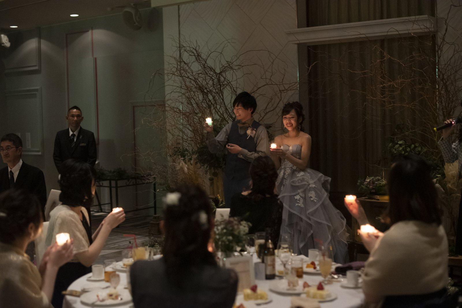 徳島市の結婚式場ブランアンジュでゲストと同じ火を灯すキャンドルセレモニー