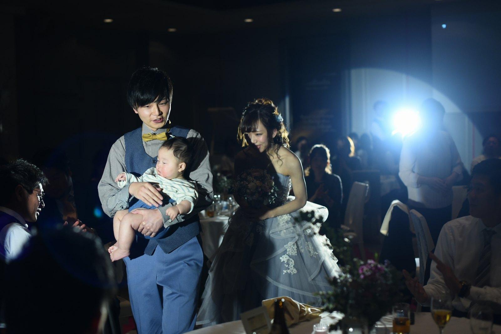 徳島市の結婚式場ブランアンジュのパーティの最後は家族3人での退場