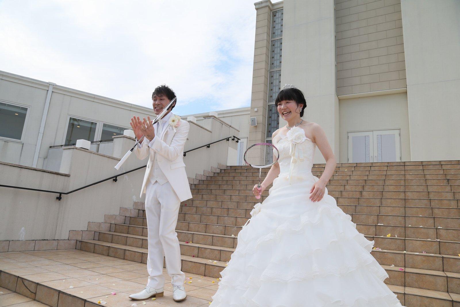 徳島市の結婚式場ブランアンジュで挙式後のシャトルトスのセレモニー
