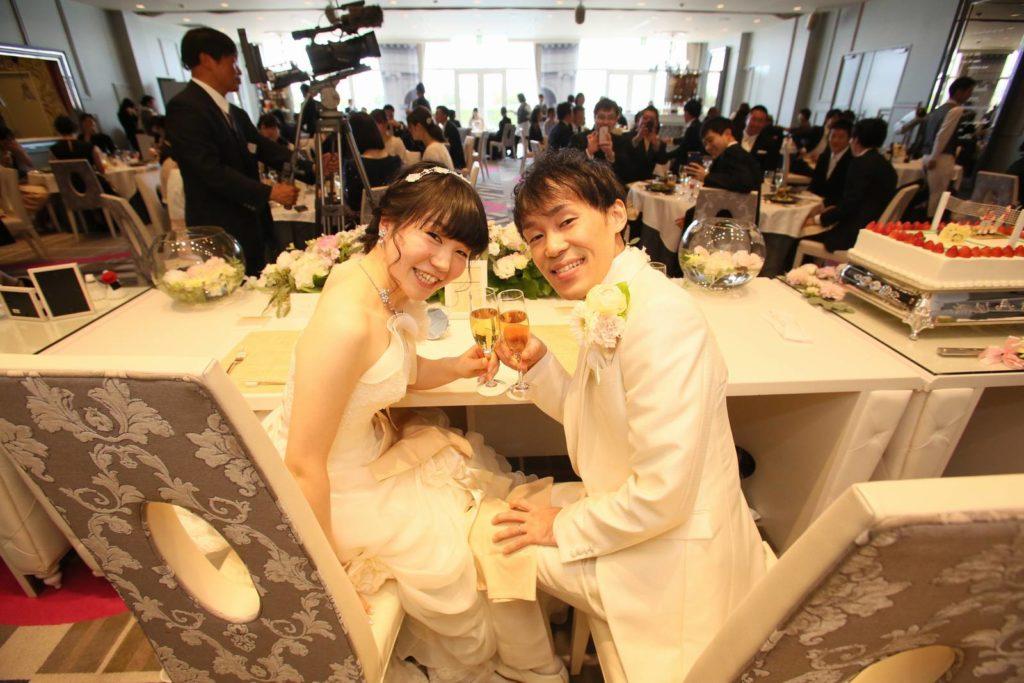 徳島市の結婚式場ブランアンジュで新婦新婦様のメインテーブルからの貴重なショット