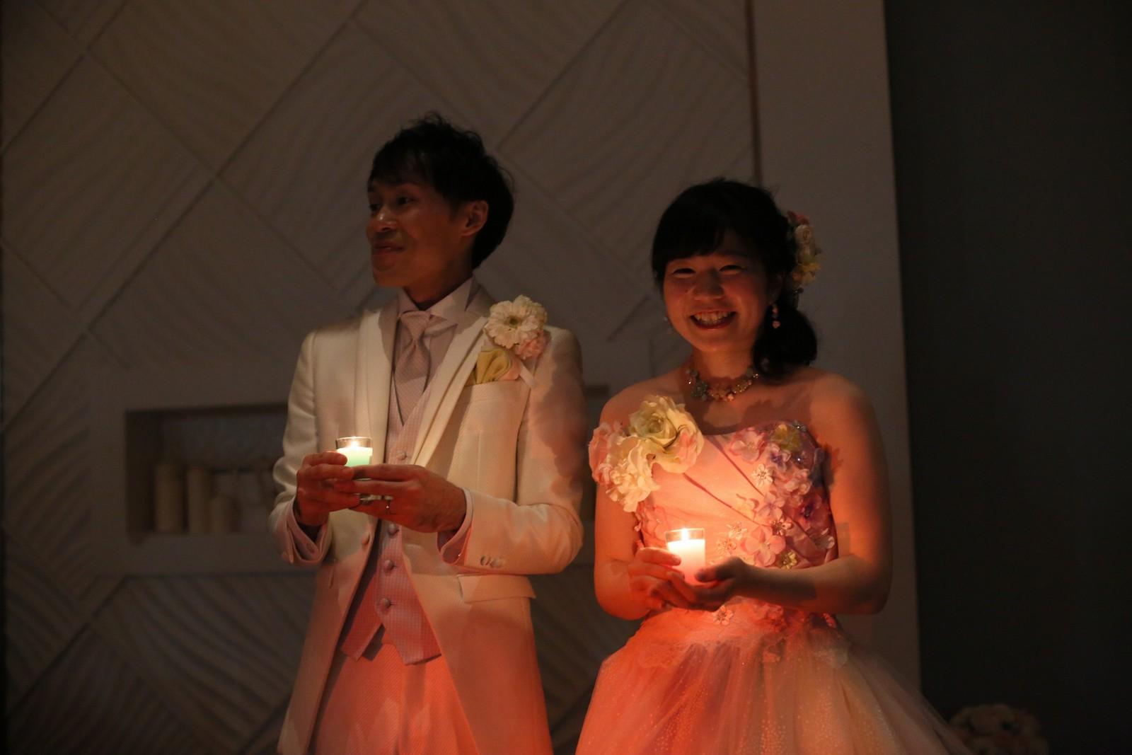 徳島市の結婚式場ブランアンジュで披露宴でのロマンチックなテーブルラウンド