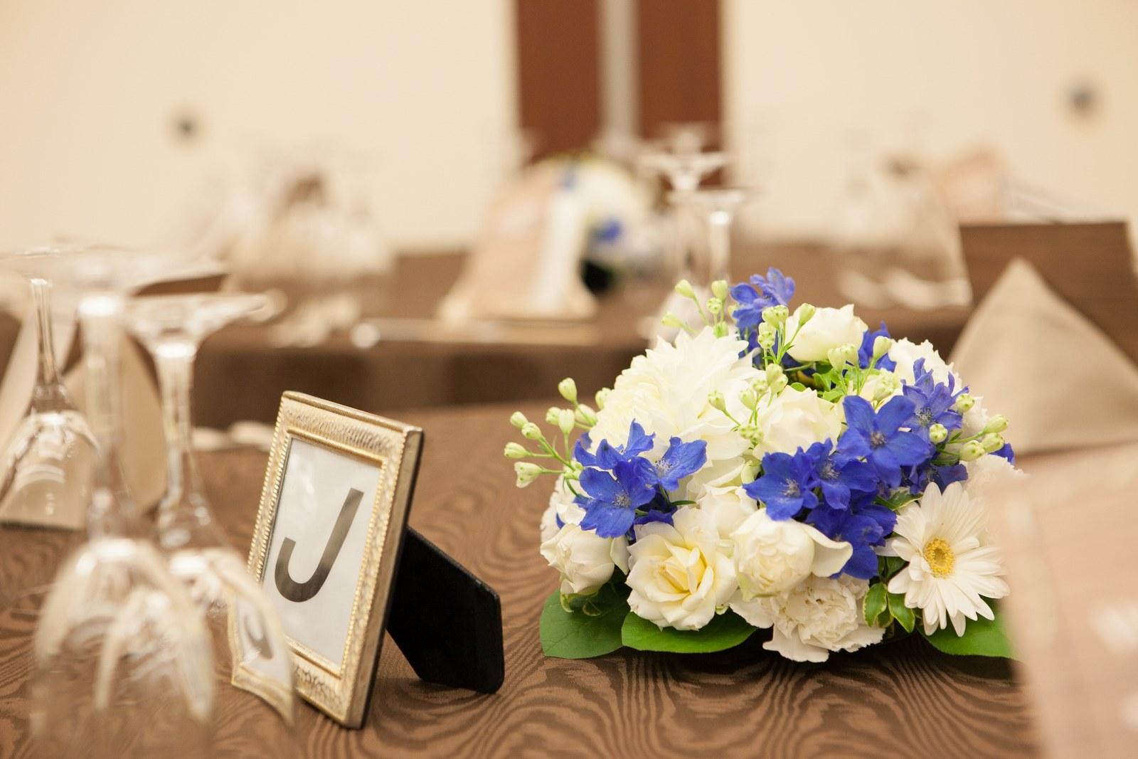 徳島市の結婚式場ブランアンジュで披露宴でのテーブル装花