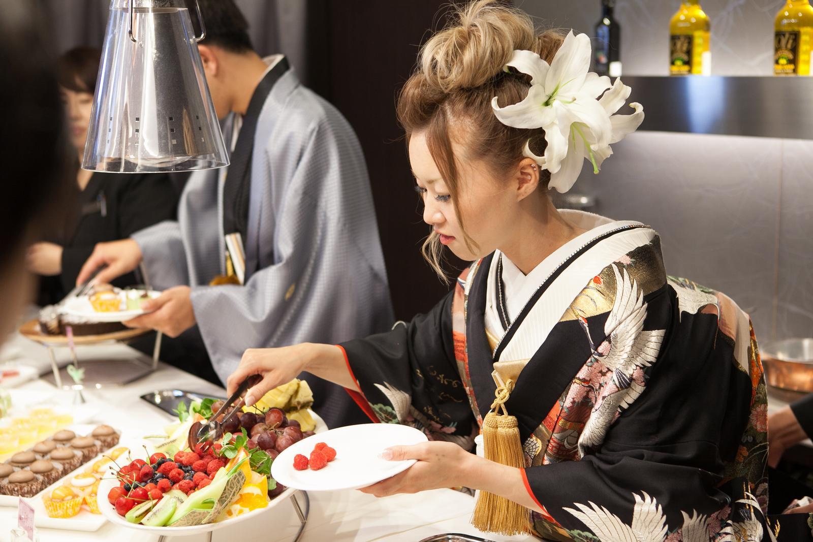徳島市の結婚式場ブランアンジュで披露宴の一番人気デザートビュッフェを新郎新婦様からゲストへ