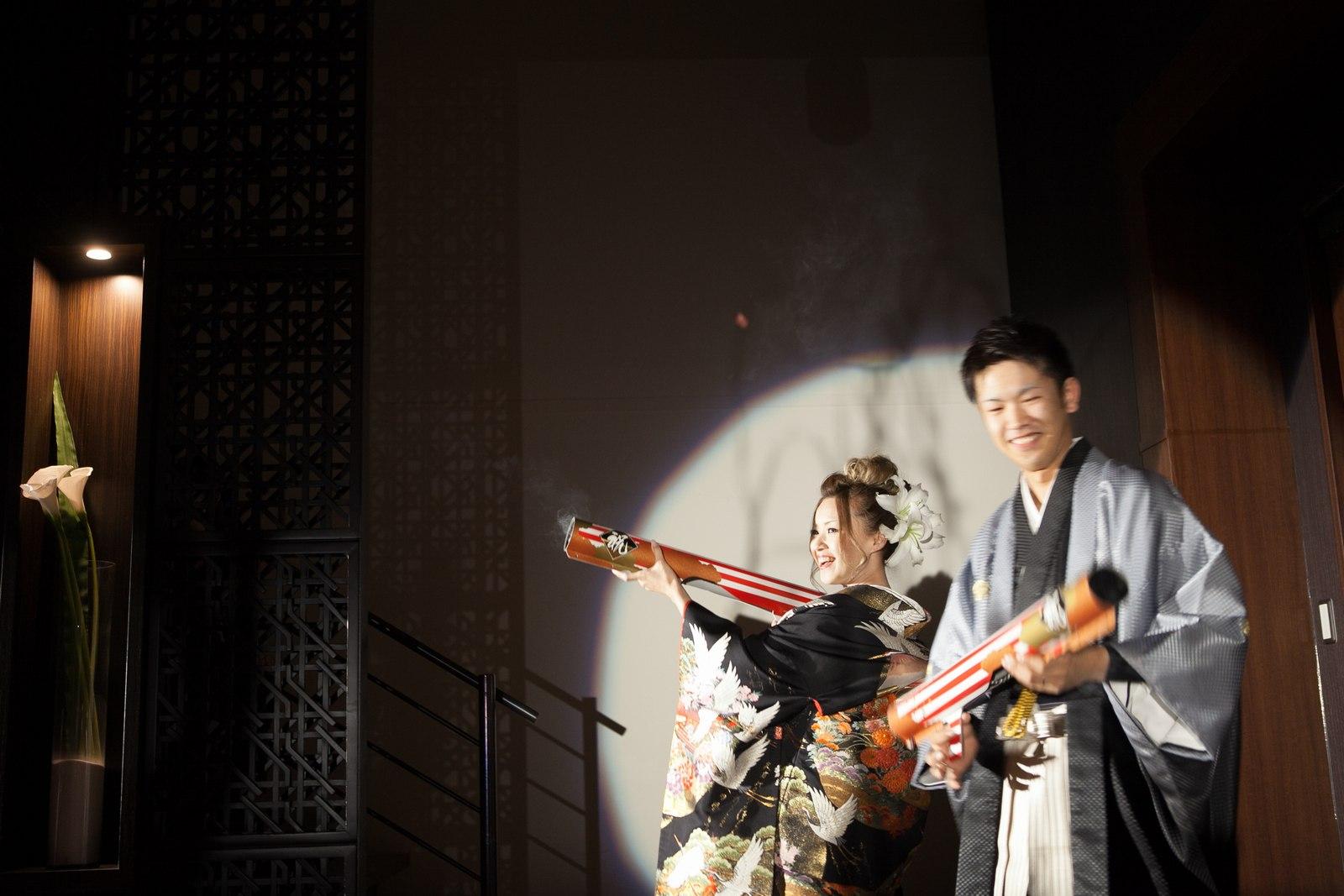 徳島市の結婚式場ブランアンジュでサプライズ登場からのバズーカー