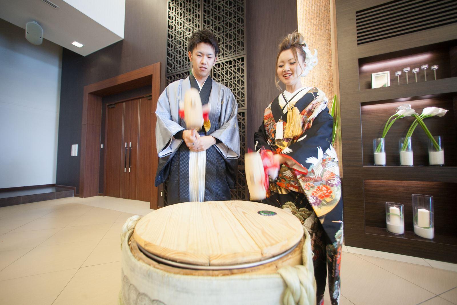 徳島市の結婚式場ブランアンジュで披露宴での鏡開きの人気演出