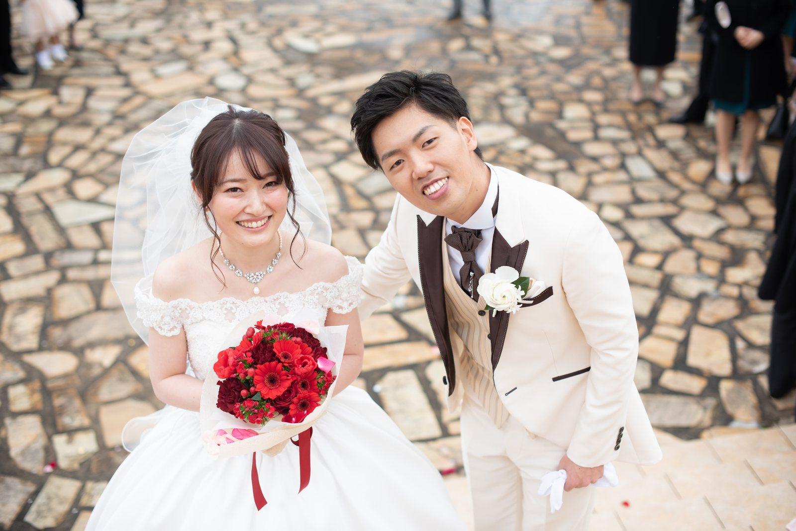 徳島市の結婚式場ブランアンジュのアフターセレモニーで素敵な笑顔の新郎新婦