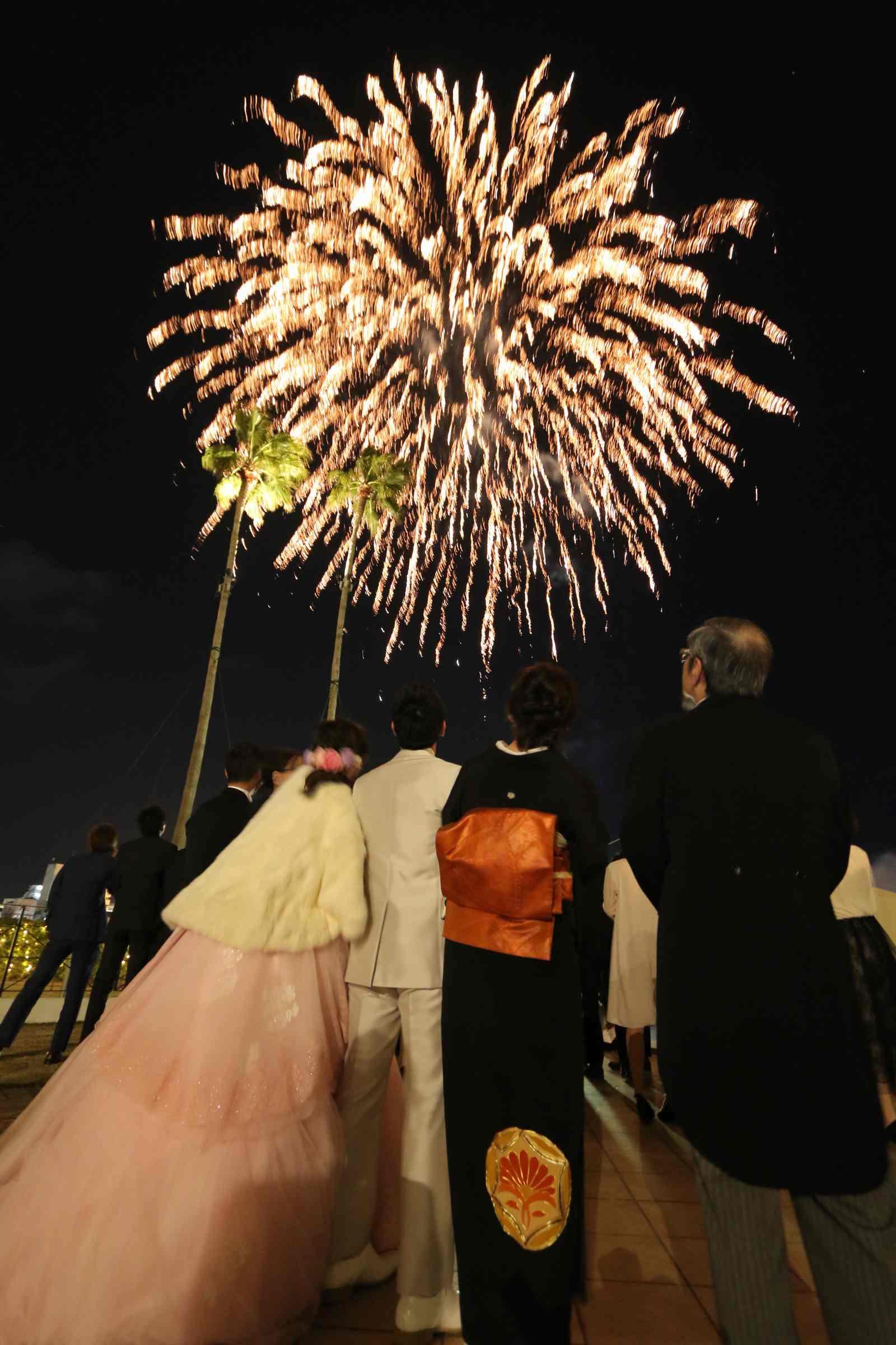 徳島市の結婚式場ブランアンジュの披露宴で人気のナイトウエディング演出打ち上げ花火