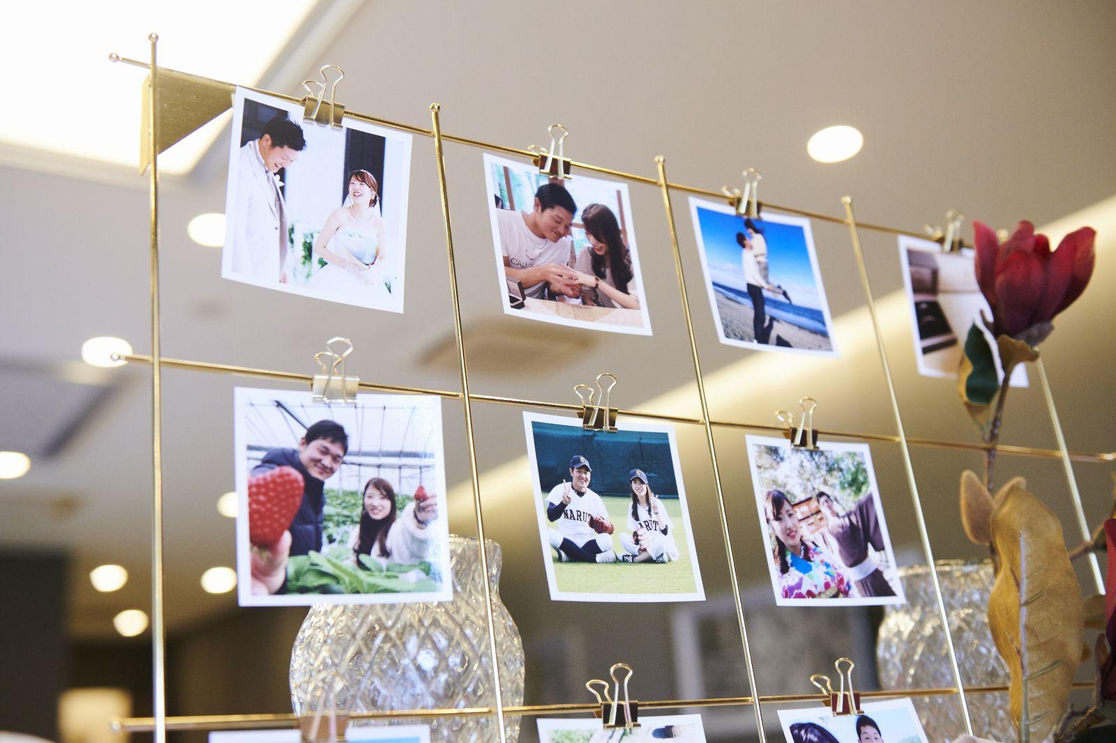徳島市の結婚式場ブランアンジュで新郎新婦様の写真を使った受付飾り