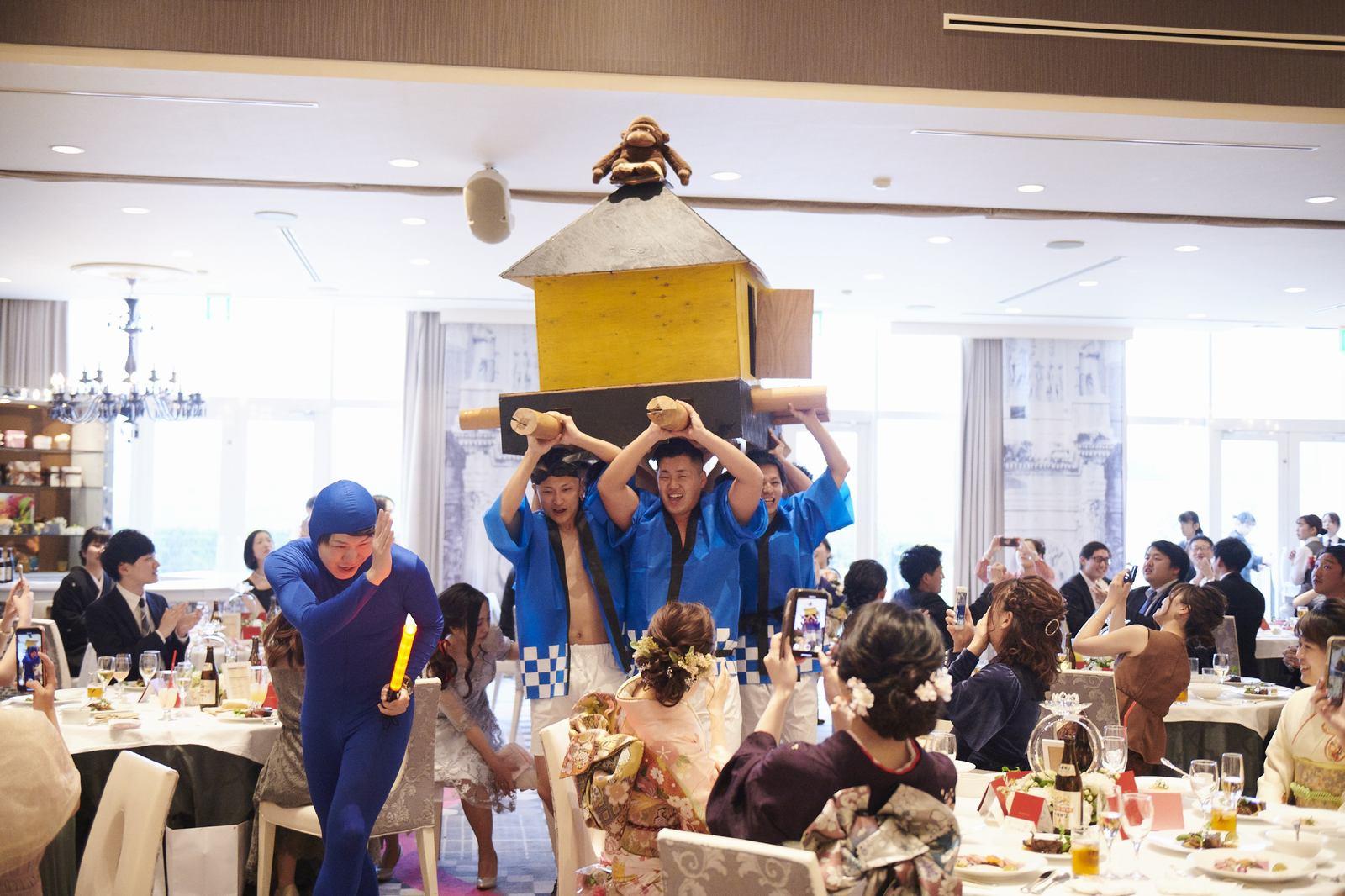 徳島市の結婚式場ブランアンジュでご友人の手作り御神輿