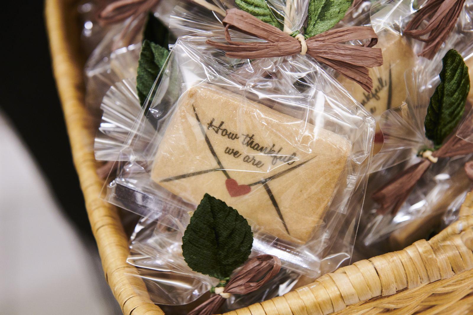 徳島市の結婚式場ブランアンジュでお見送り品として渡したメッセージクッキー