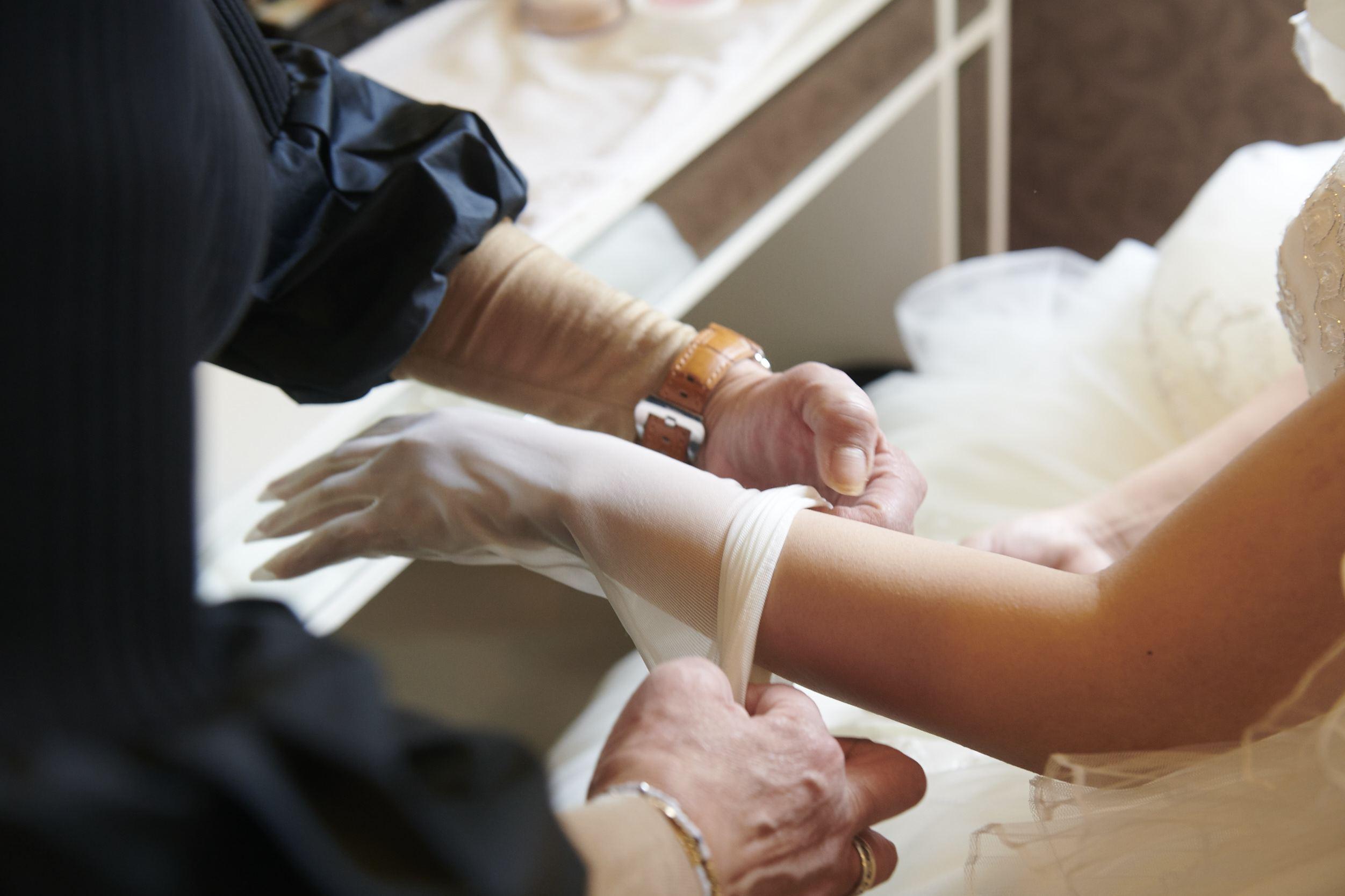 徳島市の結婚式場ブランアンジュでお仕度中の新婦様