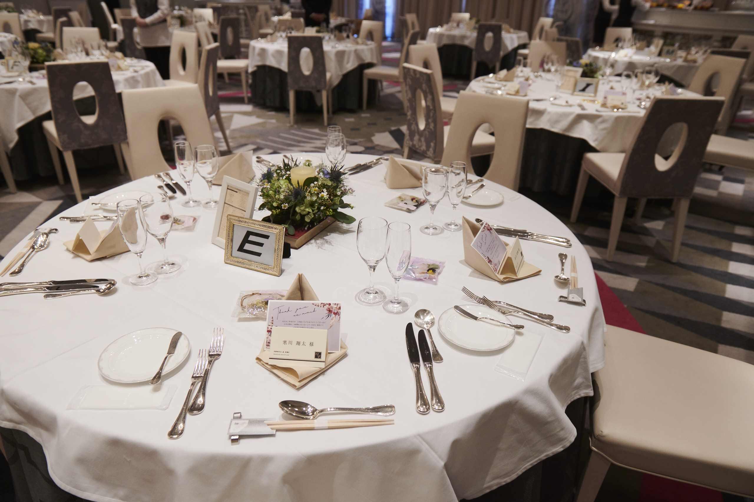徳島市の結婚式場ブランアンジュでナチュラルなゲストテーブルコーディネート