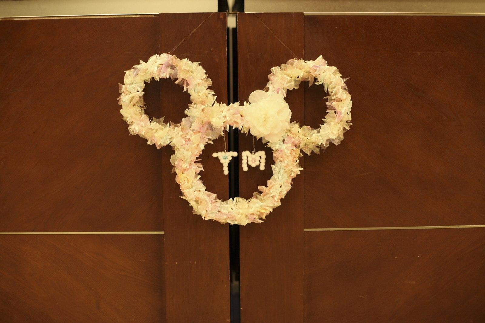 徳島市の結婚式場ブランアンジュでディズニー好きの新婦のために新婦母が手作りしたミッキーのリース